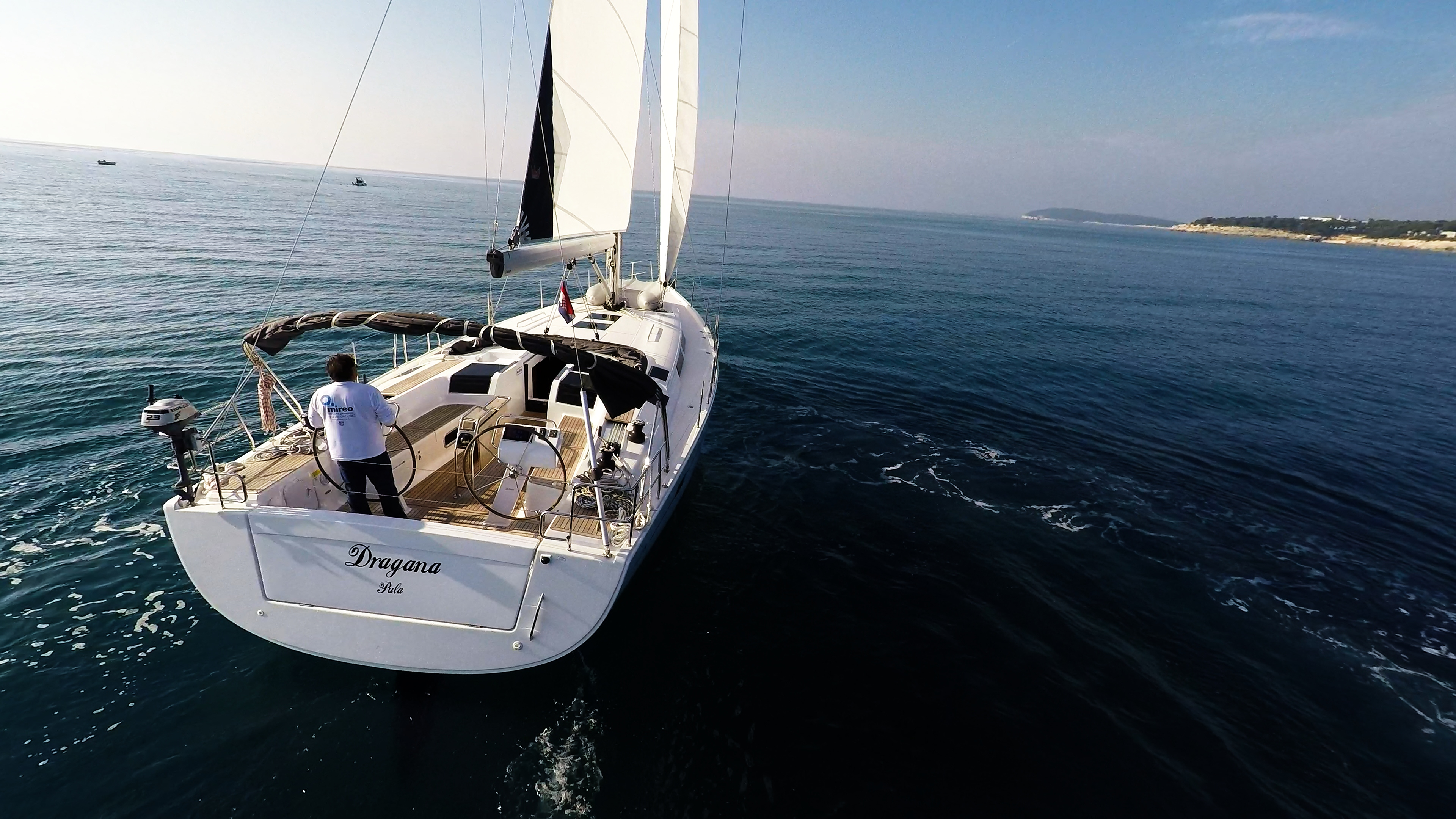 barcha a vela vista da poppa vele poppa yacht a vela Hanse 505