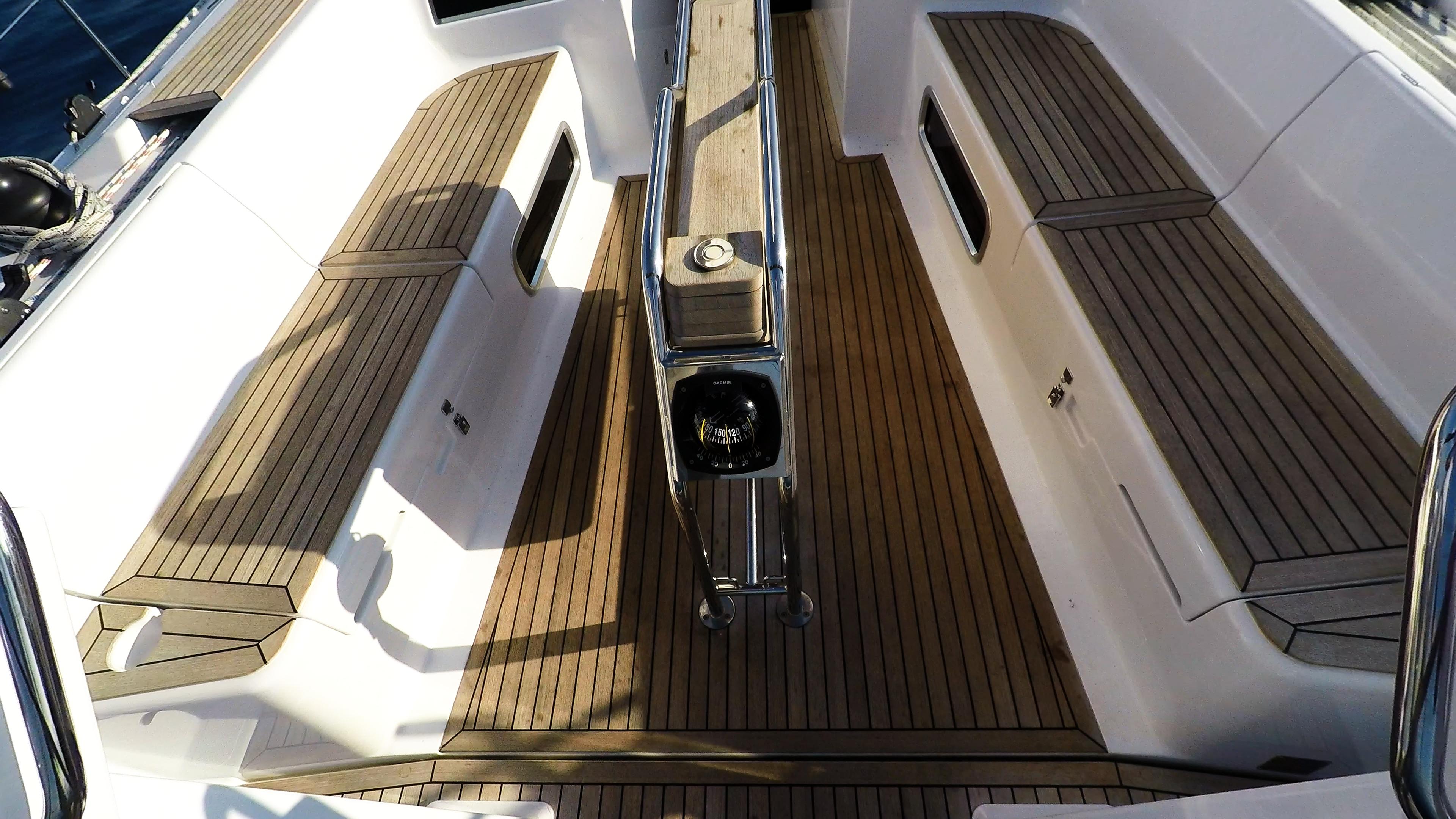 barcha a vela teak pozzetto yacht a vela Hanse 505 barca a vela