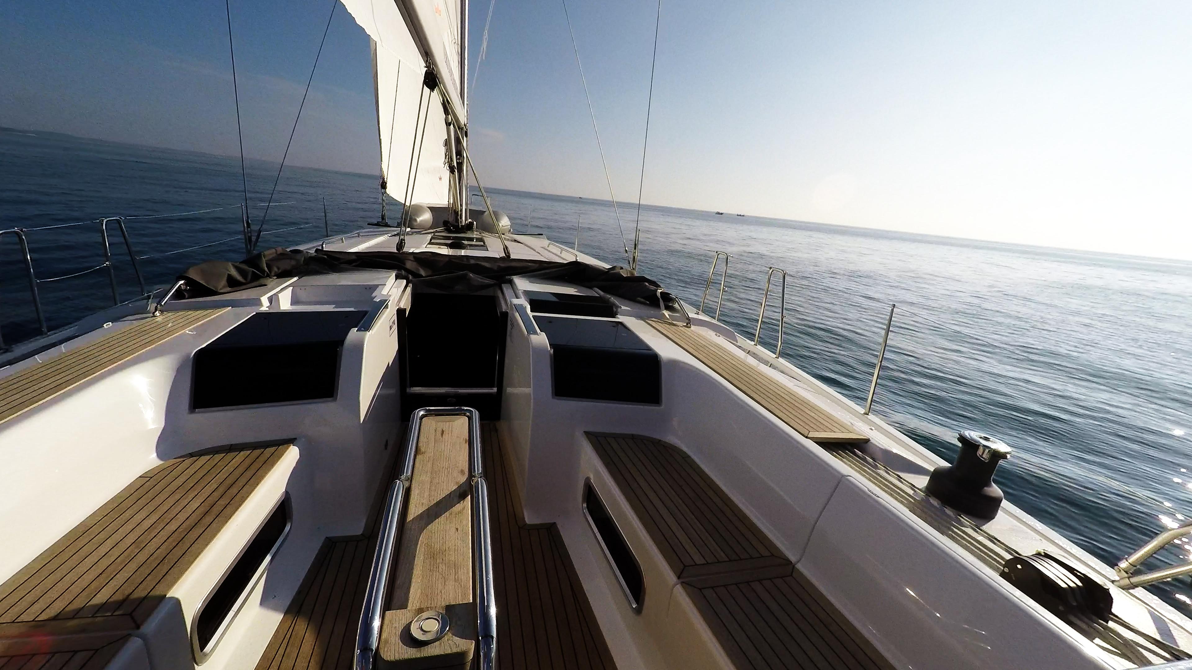 barcha a vela teak pozzetto tavolo yacht a vela Hanse 505 barca