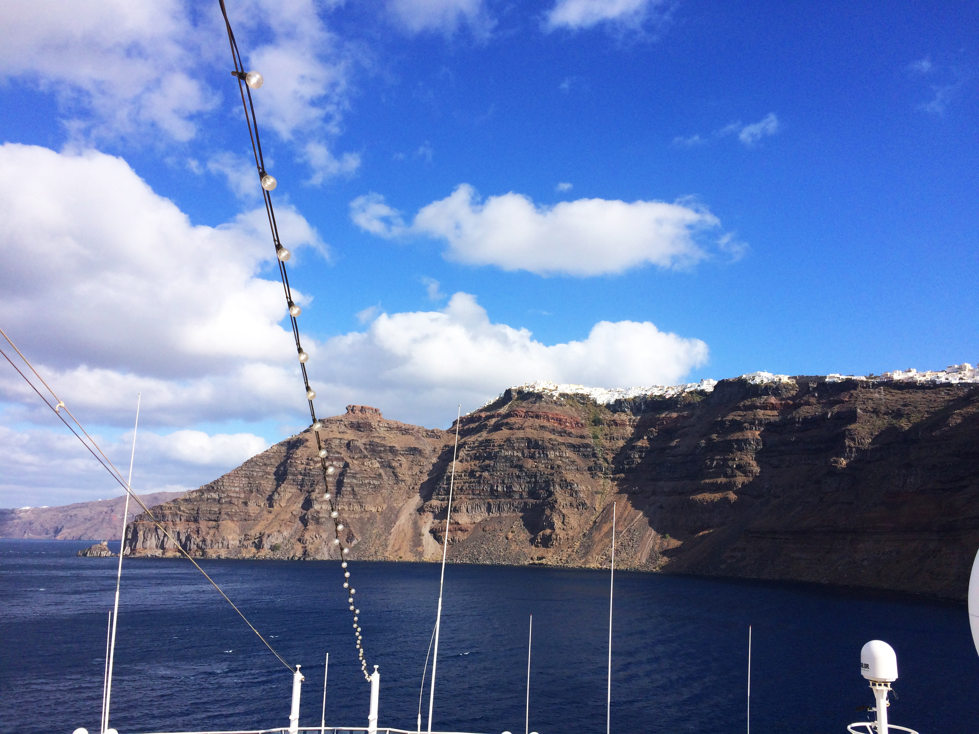 Santorini Grecia nave